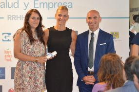 Foto entrega IV Premio Salud y Empresa de RRHH Digital